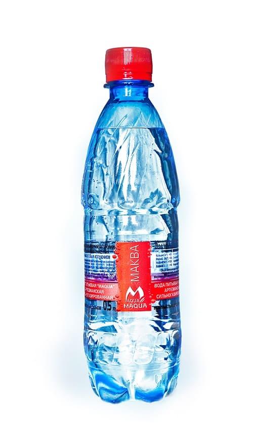 """Вода питьевая сильногазированная """"MAQUA"""" 0,5л"""